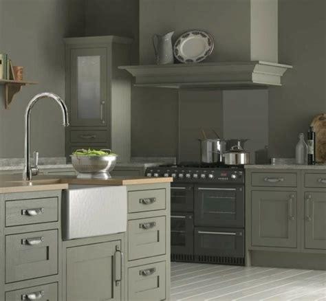 repeindre une table de cuisine en bois cuisine taupe 51 suggestions charmantes et très tendance