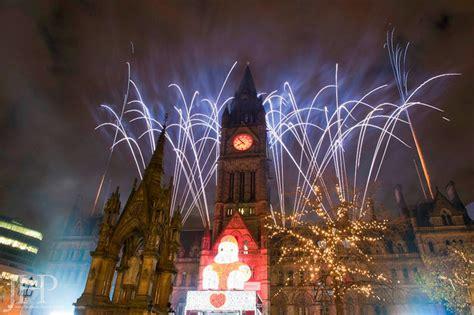 christmas light on manchester christmas decorating