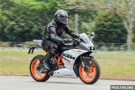 Review Ktm Rc 250 by Review 2016 Ktm Duke 250 And Rc250 Handling And