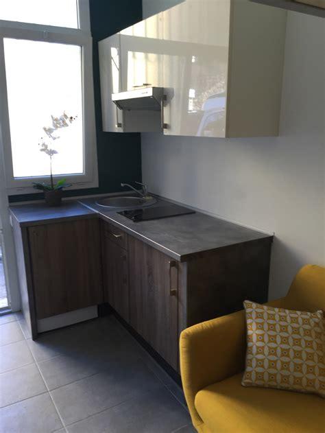 cuisine dans studio un joli studio d 233 co couleurs mat 233 riaux mezzanine