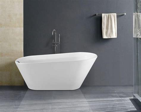 Freistehende badewannen sind das highlight in jedem bad. Liter Badewanne