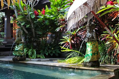keistimewaan maxone hotel  bali indonesia  indah