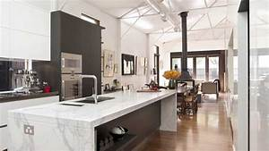 This, Kitchen, In, A, Converted, Warehouse, Optimises, Light, And, Work, Space