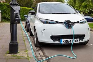 Uk U2019s First Public Lamp Post Electric Vehicle Charging