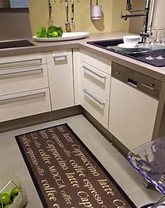Tapis De Cuisine Design : tapis de cuisine devant evier cuisine naturelle ~ Teatrodelosmanantiales.com Idées de Décoration
