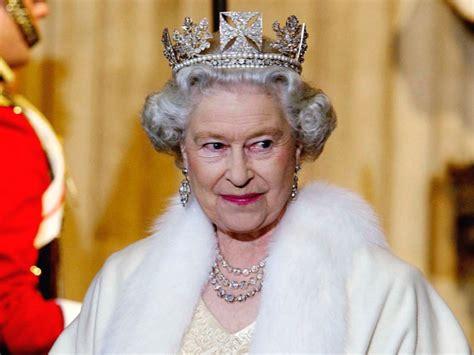 Nejpopulárnější panovnice současnosti se stala v září 2015 nejdéle vládnoucím monarchou spojeného království. Britská královna Alžběta II. bojuje za módu bez zvířecí ...