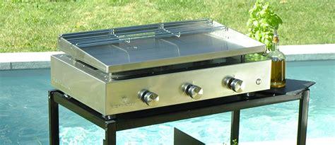 cuisiner la plancha gaz plancha au gaz tout inox garantie 20 ans verycook