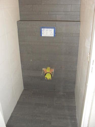 achterwand wc betegelen renovatie standaard toilet werkspot