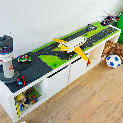 Ikea Kinderzimmer Tisch by Spieltisch Klebefolie Landebahn Spieltisch