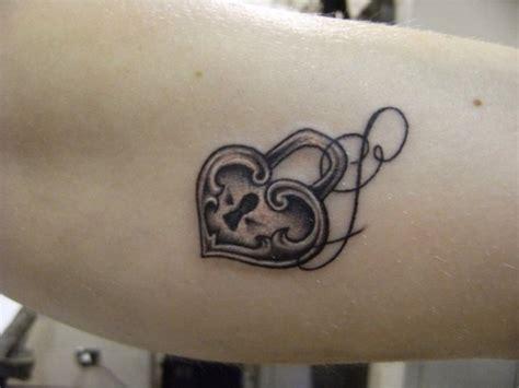 tatuaggi lettere  disegni bellissimi da disegnare