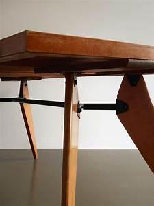 Table Jean Prouvé : 58 best images about jean prouv on pinterest auction ~ Melissatoandfro.com Idées de Décoration
