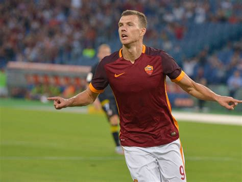 collecting nets video edin dzeko nets brace during roma debut thescore com