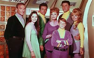 Here's Your Chance to Question the Cast From LOST IN SPACE ...