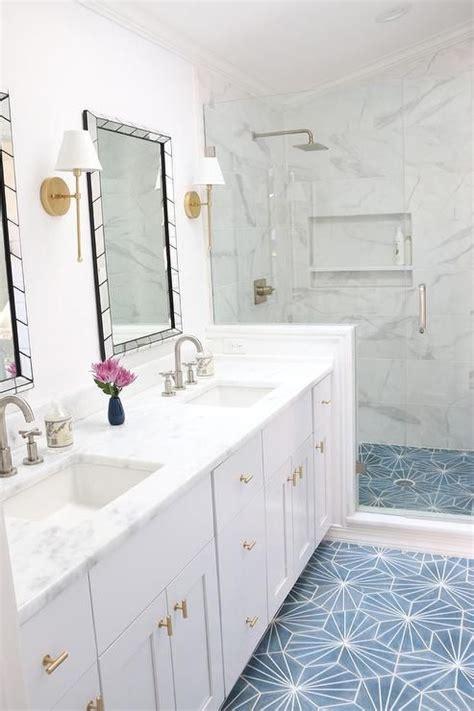 Chevron Bathroom Ideas by Best 25 Chevron Tile Ideas On Herringbone