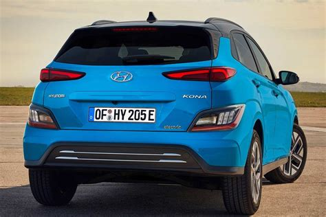 You're not just helping to save the planet, you also save time and money. 2021 Hyundai Kona Electric Rear Quarter | AUTOBICS