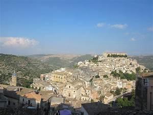 Louer Voiture Sicile : une visite au ch teau de donafugata pr s de ragusa guide de voyages sicile tourisme ~ Medecine-chirurgie-esthetiques.com Avis de Voitures