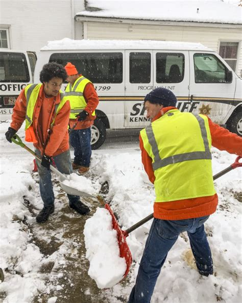 Helpers Portland by Amid Snowy Winter Helpers Emerge To Shovel Out City S
