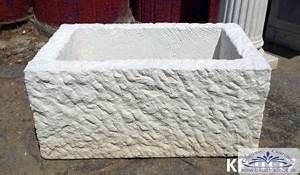 Pflanztrog Aus Beton : pflanztr ge sandsteintog massiv aus kunstbeton auch als brunnen sch pftrog f r garten ~ Sanjose-hotels-ca.com Haus und Dekorationen