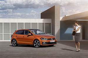 Polo 6 R Line : 2018 vw polo goes on sale in uk from 13 855 carscoops ~ Medecine-chirurgie-esthetiques.com Avis de Voitures