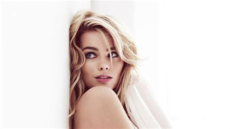 Winter Wallpapers Free Download Margot Robbie Wallpapers Hd Resolution