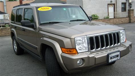 used jeep commander used 2006 jeep commander 4x4 sport utility 9 390 00
