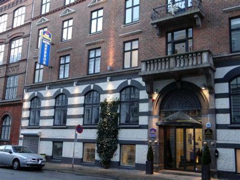 best western hebron entrance picture of best western hotel hebron
