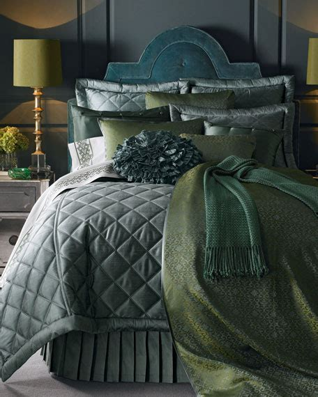 Gish Coverlet by Gish Quot Big Quot Bed Linens