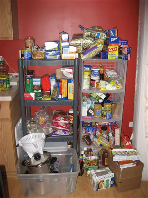 Small Pantry Organization: 25 Free and Cheap Ideas to Tame
