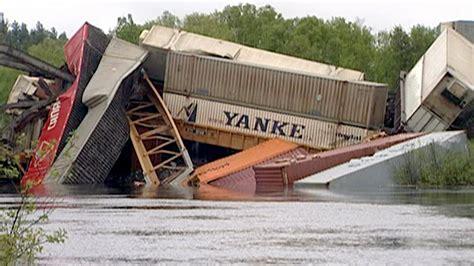 bridge collapse  train derailment ctv news