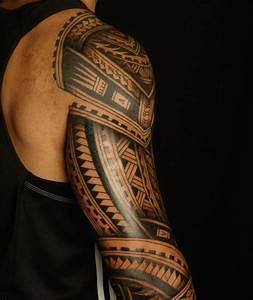 Maorie Tattoo Oberarm : polynesische maori tattoos schultertattoo m nner modern tattoos ~ Frokenaadalensverden.com Haus und Dekorationen
