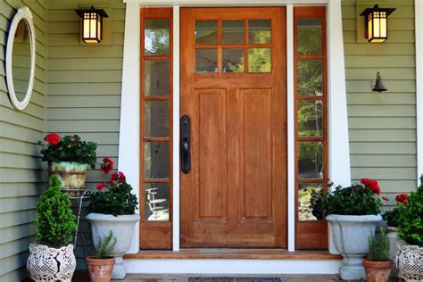 11 Ways To Decorate Your Front Porch Or Entryway