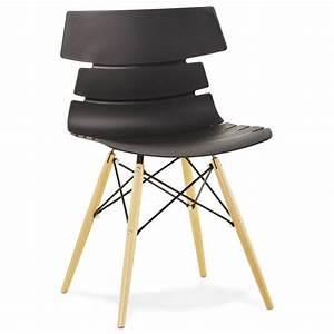But Chaise Scandinave : chaise originale style scandinave cony noir ~ Teatrodelosmanantiales.com Idées de Décoration