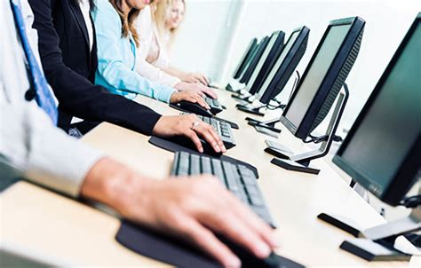 cyber security training  employees travelers insurance