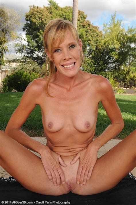 stacey y strip naked at the backyard moms archive