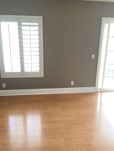 dunn edwards paints det 620 barnwood gray perfect paint
