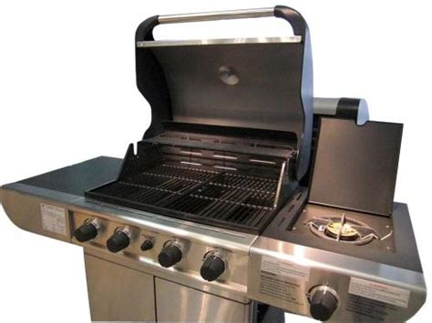 cuisiner avec barbecue a gaz barbecue royal à gaz inox avec plancha et grill
