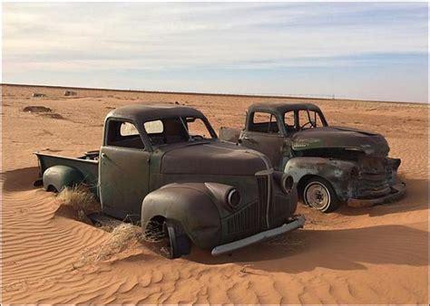 vintage pick  trucks   desert  em