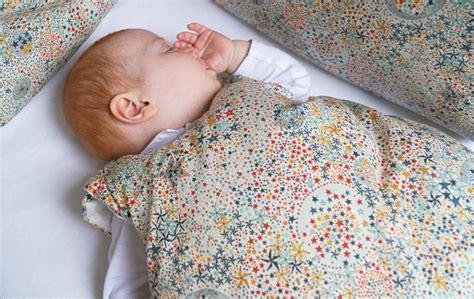 a quel age bébé dort dans sa chambre quel linge de lit pour bébé mon bébé chéri bébé