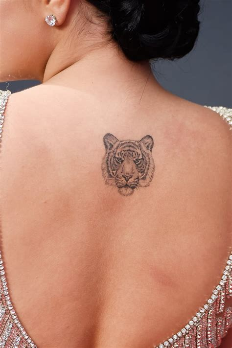 ariel winter emmy awards celebrity tattoos  award