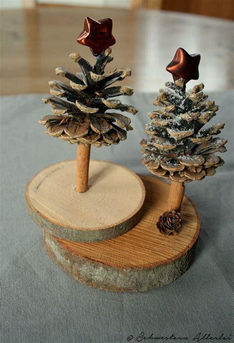 basteln mit baumscheiben diy weihnachtsstadt weihnachtsdeko und ein weihnachtsbaum aus holz