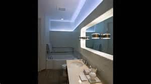 led fã r badezimmer indirekte beleuchtung bad wand blaues licht spiegel