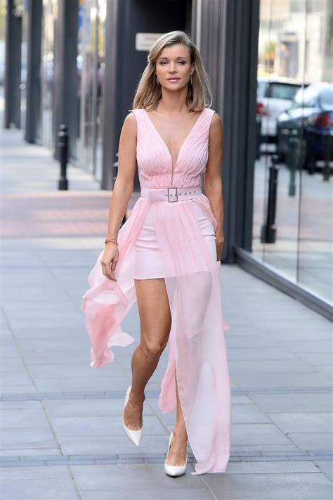 joanna krupa spotted in a soft pink dress as she heads for ...