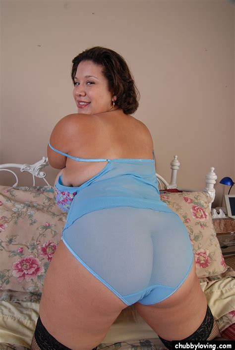 Mature Bbw Monet Playing With Her Awesomely Huge Tits And