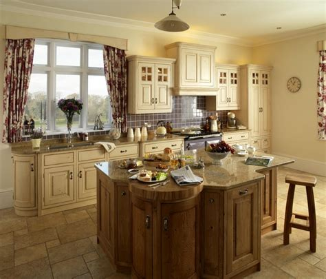 Country Kitchens  Traditional  Kitchen  London By