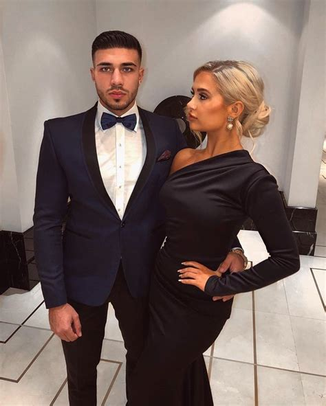 Tommy Fury posts sexy suit throwback picture as Molly-Mae ...