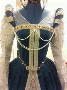 Renaissance Tudor Gown Dress