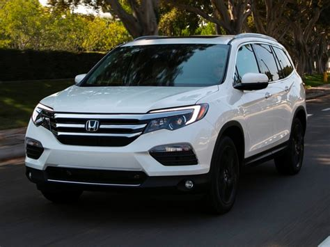 kelley blue book best buys of 2017 midsize suv