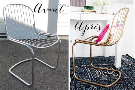 peindre des chaises en bois diy comment peindre des chaises en métal en doré