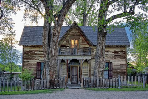 VICTORIAN SEDMAN HOUSE in MONTANA STATE Photograph by ...