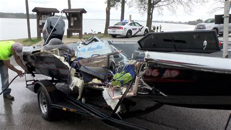 Lake Conroe Boating Accident by Lake Conroe Boat Crash Turns Deadly Video